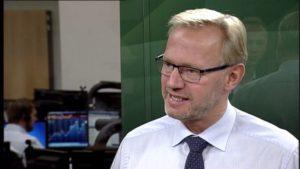 Anders Dam ved alt om at jyske bank bedrager kunde, nem tænker på jyske Banks interesser og aktionærer som PFA og ATP
